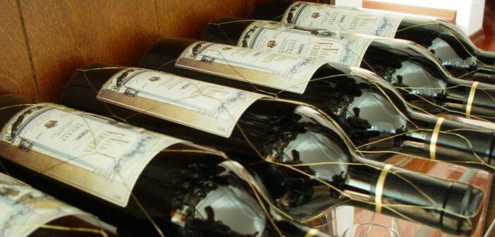 Der Vina Vermeta Alicante Tinto 1996 steht hier stellvertretend für die vielen importierten europäischen Weine, vorwiegend aus Italien, Frankreich und Spanien.