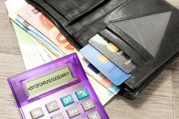 Immer mehr Kunden greifen auch gerne auf die Kreditkarte zurück, denn diese Zahlung ist für sie besonders einfach und schnell erledigt und das Konto wird erst später durch den Betrag belastet. (#02)