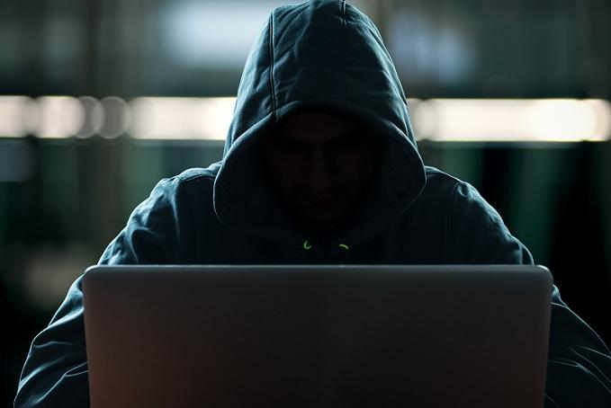 Datensicherheit ist in einem Unternehmen ein besonders großes Thema. Es kann immer passieren, dass die Daten verloren gehen oder es zu einem Hacker-Angriff kommt. (#02)