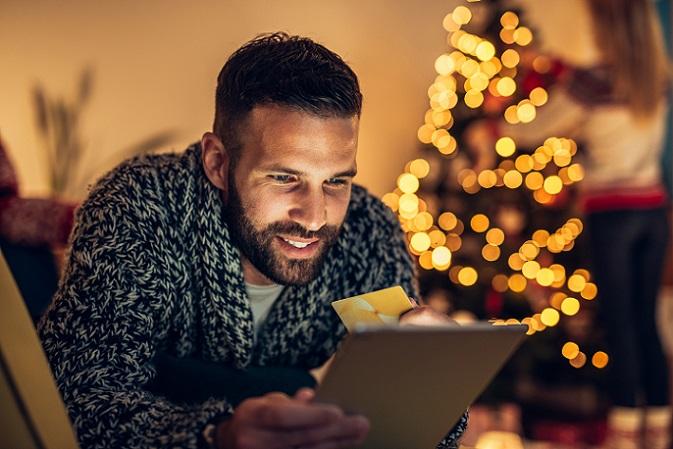 Zu diesem Zweck erlauben viele Systeme das Anlegen von Kundengruppen. So erkennt der Online-Händler auf einen Blick, ob ein Erstkunde bei ihm bestellt, ob es sich um einen zuverlässig zahlenden Stammkunden handelt oder ob der Käufer dafür bekannt ist, dass er erst nach der zweiten Mahnung zahlt. (#03)