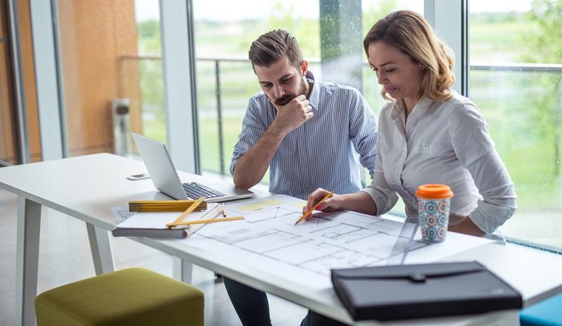 Für den Finanzplan im Businessplan ist die Rentabilität des Unternehmens von großer Bedeutung. Hier wird das Betriebsergebnis vor Steuern für die nächsten drei Jahre ermittelt und zudem gezeigt, ob und ab wann in welcher Höhe sich die geplante Existenzgründung überhaupt lohnt. (#03)
