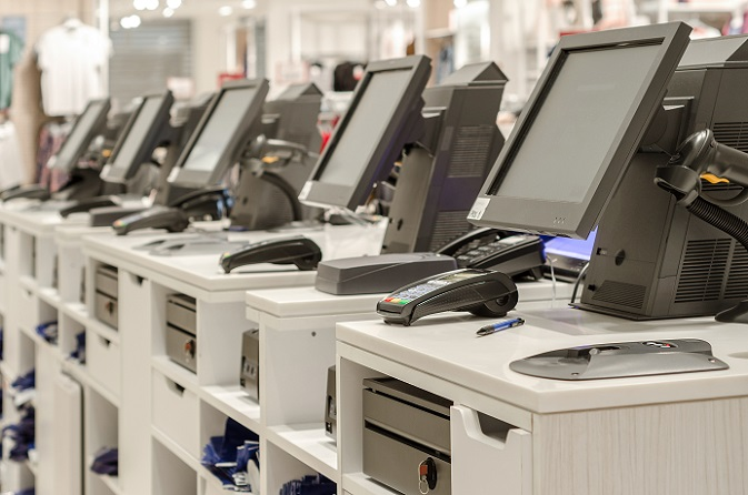 Die wohl bekannteste Möglichkeit, um den Kunden ein Self-Shopping-Erlebnis bieten zu können, ist die berühmte Selbstscannerkasse. Nachdem diese zunächst vornehmlich im Ausland oder im Möbelhaus IKEA zu finden waren, halten diese nun auch Einzug in den Lebensmittelsektor in unseren Gefilden. (#01)