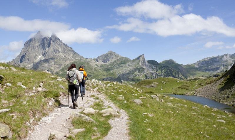 Wer in diese Region Frankreichs in die Ferien reist, kommt vor allem hierher, um die landschaftliche Schönheit der Region zu bewundern. Dies lassen zumindest die zahlreichen Bewertungen vermuten, die sich fast immer auch auf die Umgebung beziehen. (#03)