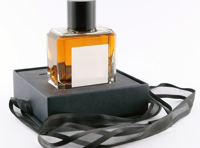 Besonders gefragt sind Verpackungen, die der Verbraucher auch ohne Hilfsmittel öffnen und schließen kann. Faltschachteln bieten den gewünschten praktischen Nutzen und stechen zudem im Regal attraktiv hervor.(#02)