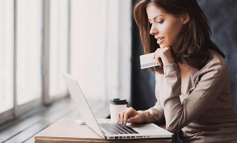 Dem Shopping im Internet kommt ein immer größerer Stellenwert zu und wer den Trend verpasst, verliert. (#01)