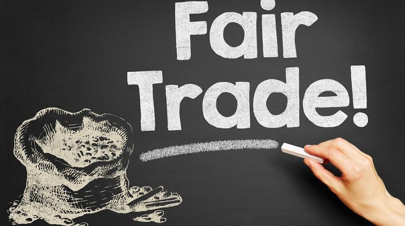 Durch die faire Vereinbarung wird den Produzenten eine zuverlässige Abnahme zu einem guten Preis garantiert. Das macht es auch kleinen Unternehmen aus benachteiligten Ländern möglich, ihre Waren in den Industrienationen zu verkaufen. (#03)