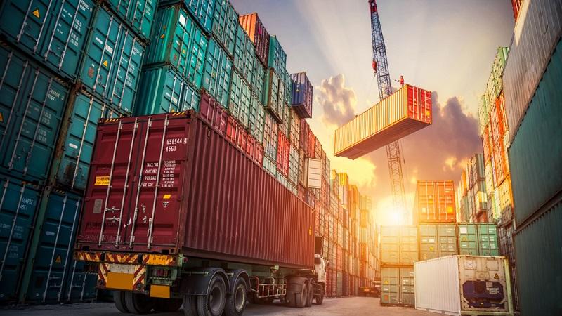 Der Grundsatz für das statistische Meldeverfahren stellt sicher, dass beim Zoll alle Import- und Exportdaten aufgenommen werden. (#01)