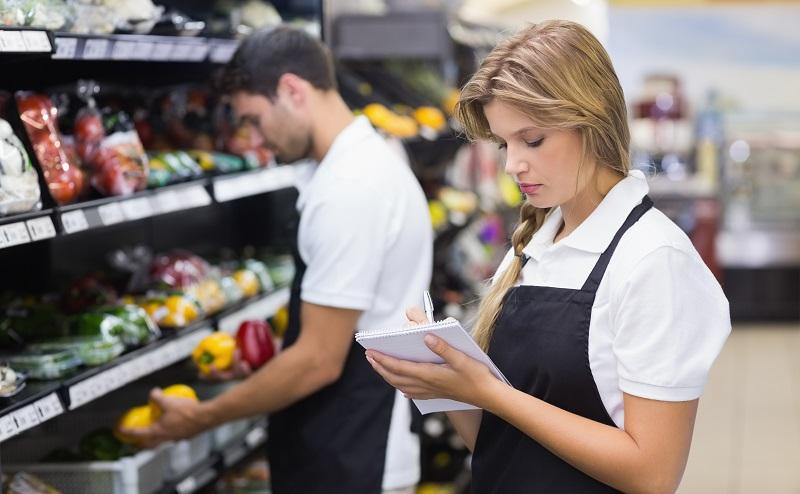 Neben der Berufsschule ist die Einzelhandelskaufmann Ausbildung direkt im Betrieb ein ganz wesentlicher Bestandteil in der Lehre. (#05)