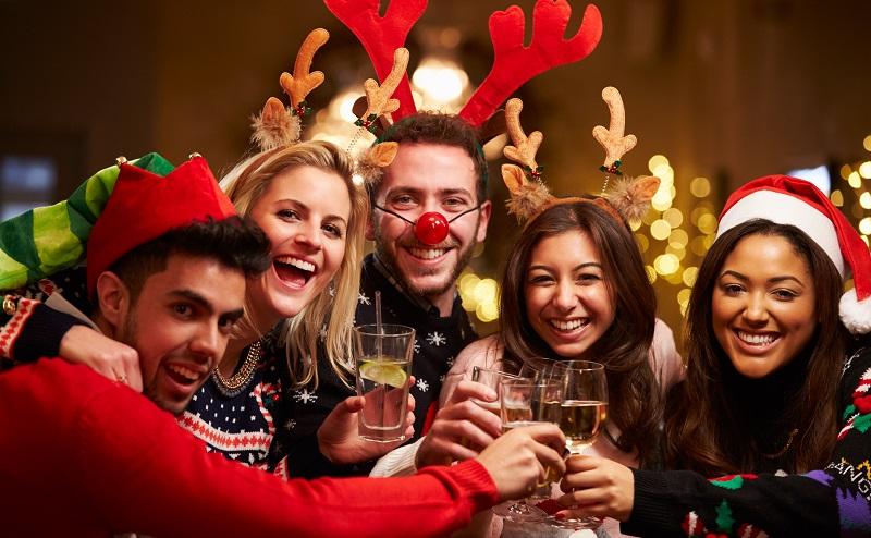 Ideen zur Weihnachtsfeier: Ein gemeinsames Erlebnis hingegen lässt die betriebliche Weihnachtsfeier zum jährlichen Highlight werden. (#01)