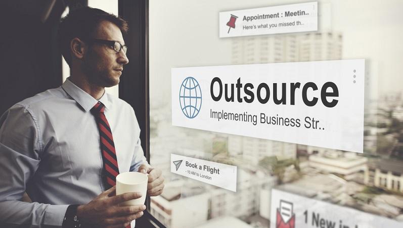 Die Vorteile sprechen in vielen Fällen für das Outsourcing. Im Vordergrund steht dabei die Kostenreduzierung. (#04)