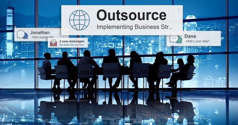 Beim Outsourcing sind einige Vorsichtsmaßnahmen zu treffen, um eventuelle Negativkonsequenzen zu vermeiden. Schließlich soll die Auslagerung Schwierigkeiten beheben und keine Probleme verursachen. (#03)
