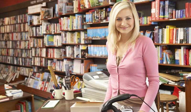 Mit der Ausbildung zum Buchhändler kann man generell in zwei Hauptbereichen im Unternehmen arbeiten. Zum einen gibt es die Arbeit auf der Verkaufsfläche. (#02)