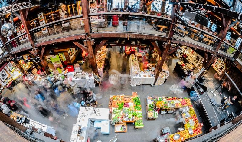 Gerade einmal zwei Prozent des gesamten Einzelhandelsumsatzes in Deutschland läuft über E-Commerce-Kanäle. (#04)