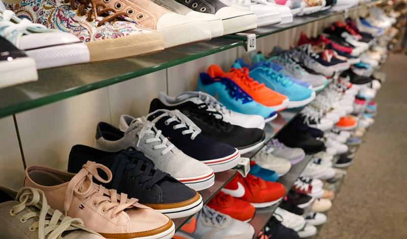 Wer heute im Deichmann-Online-Shop unterwegs ist, der erwartet zum Beispiel ein identisches Angebot zur Filiale, das im Idealfall durch zusätzliche Schuhe für Damen und Herren ergänzt wird. (#04)