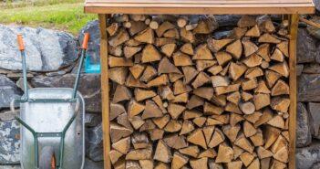 Lagerung von Brennholz: Tipps für's heimische Brennerlebnis