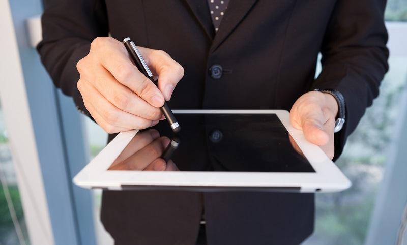 Mit einem Digitizer ist es möglich, mit einem entsprechenden Stift pixelgenaue Eingaben auf dem Tablet zu machen. (#03)