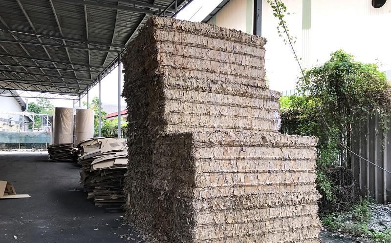 Die Papierbriketts müssen mehrere Tage getrocknet werden, wofür die entsprechende Lagerfläche vorhanden sein muss. (#06)