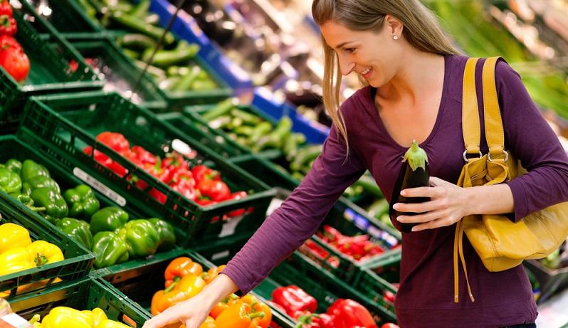 Unverpackte Lebensmittel müssen durch die Angabe von Sorte und Handelstyp, durch Klasse und Größensortierung gekennzeichnet werden. Handelt es sich um lose Ware, ist seit Dezember 2014 auf das Beinhalten von Allergenen hinzuweisen. (#04)