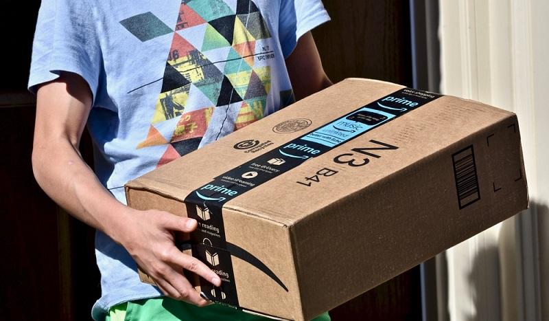 Amazon bietet nicht nur Bücher, Videos und Musik, sondern auch Lebensmittel mit Lieferservice. Der US-Riese beliefert aber nicht alle Interessenten, sondern bietet diesen Service derzeit nur für Potsdam und Berlin an. (#02)