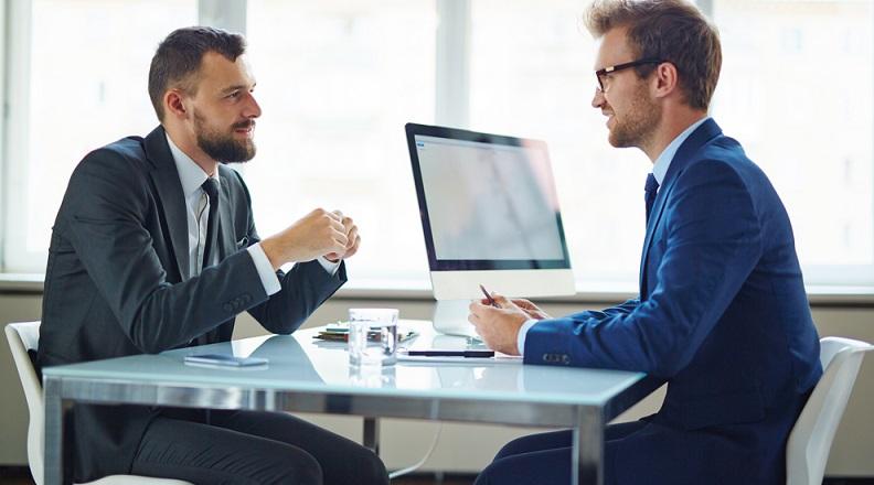 Ein ganz wesentlicher Aspekt der Vorbereitungen besteht darin, einen Plan für die benötigten Mitarbeiter aufzustellen. Wenn die Unternehmensgründung zusammen mit einem Team erfolgt, ist es notwendig, die Aufgaben jedes Teilhabers genau zu definieren. (#03)