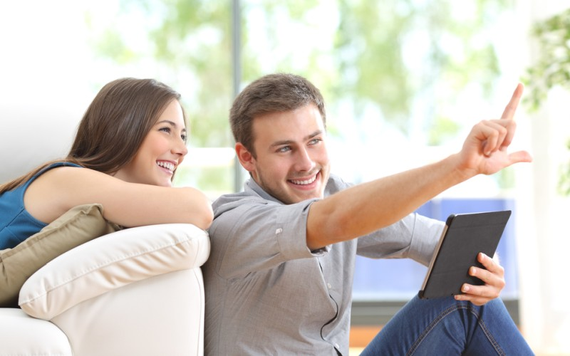 Die heutige Generation nimmt Prospekte oder Möbelkataloge kaum noch als Möglichkeit wahr, sich über einen geplanten Möbelkauf zu informieren und lässt sich ausschließlich vom Internet inspirieren. (#2)