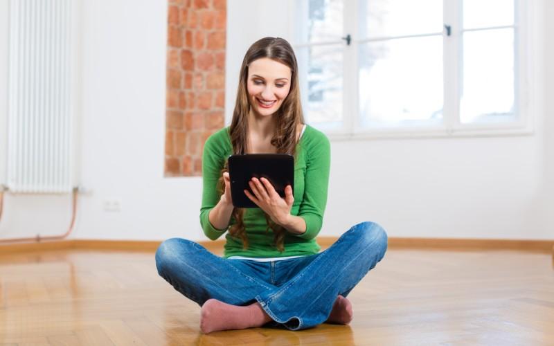 Die Suche nach neuen Möbeln für die erste eigene Wohnung findet inzwischen häufig im Internet und nicht mehr im Möbelhaus statt. Online hat man eine riesige Auswahl und es locken meist günstigere Preise. (#1)