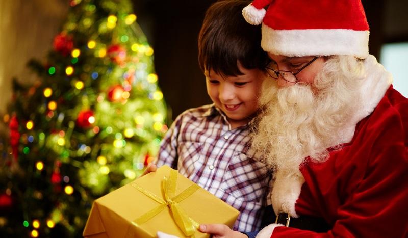 Auch dieses Paket vom Weihnachtsmann wurde bestimmt von einem Lieferdienst zugestellt. (#3)