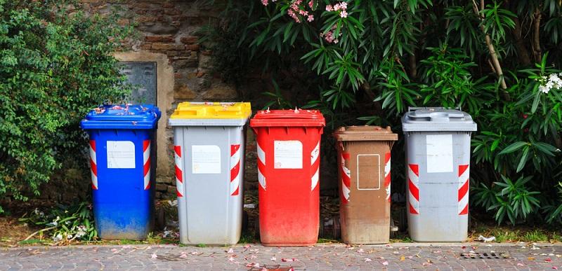 """Bei Einführung der ursprünglichen Verpackungsverordnung, die auch den gelben Sack in die Haushalte brachte, sprach man vor allem vom sogenannten """"Grünen Punkt"""" oder """"dem"""" Dualen System."""