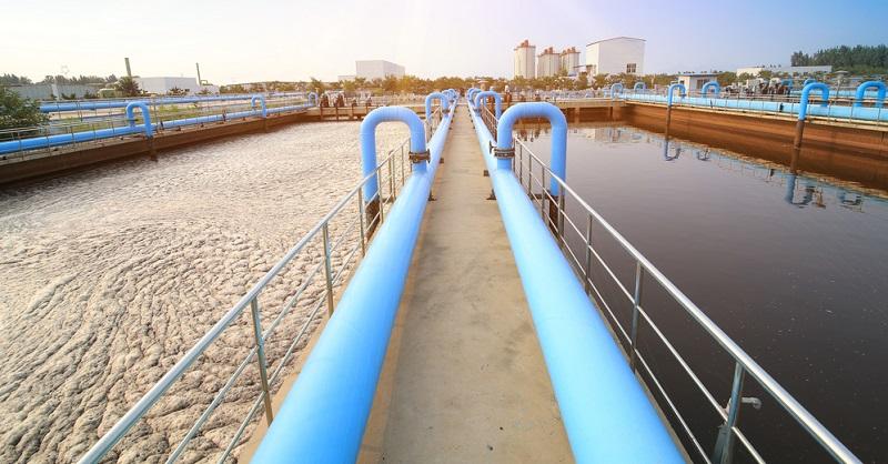 Nicht nur in der Industrie fallen Abwässer an, doch dort sind diese häufig besonders problematisch, was den Umweltschutz betrifft. Im europäischen Vergleich kann Deutschland mit der höchsten Aufbereitungs- und Recyclingquote für Abwasser punkten.