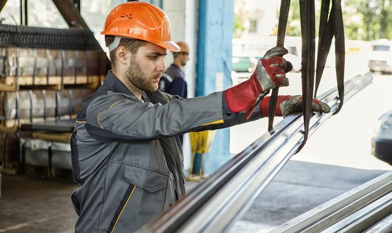 Die Metallindustrie spielt eine bedeutende Rolle in der Wirtschaft.