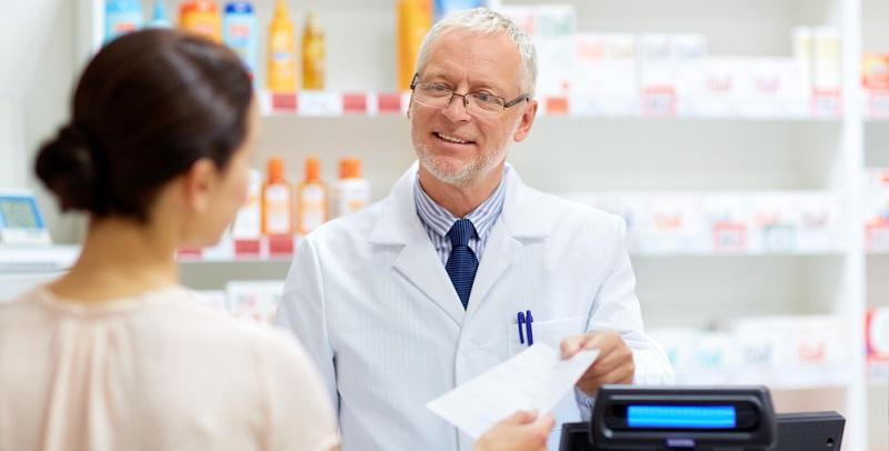 Für verschiedene Arzneimittel muss der Patient nichts dazubezahlen, wenn sie für die Behandlung seiner Erkrankung notwendig sind. Die Apotheke rechnet dann direkt mit der Krankenkasse ab.