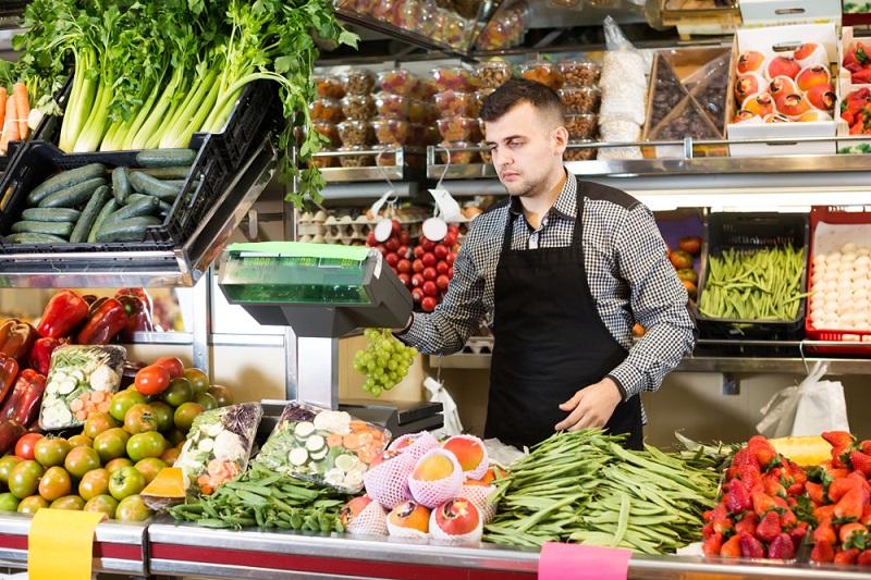 Für den Einzelhandel gibt es Extraregelungen aufgrund des Ladenschlussgesetzes. (#02)
