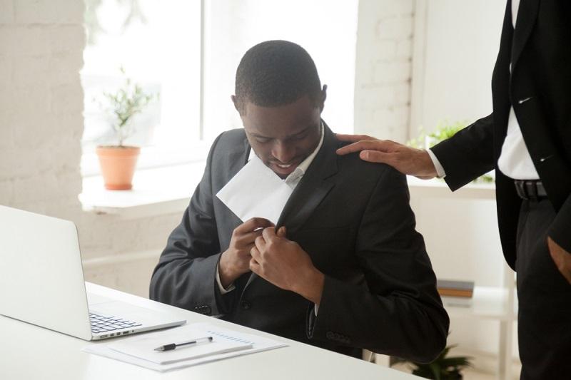 Beim Urlaubsgeld handelt es sich um eine freiwillige Zahlung, die durch den Arbeitgeber angeboten wird. Ein gesetzlicher Anspruch besteht allerdings nicht. (#09)