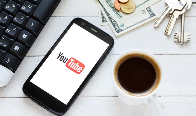 Die Produkte, die der YouTuber im Video verwendet und vorstellt, verlinkt er in der Videobeschreibung mit einer Bezugsquelle