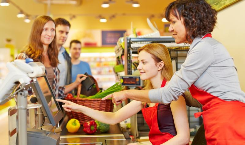 Drei Ausbildungsjahre heißt es zu meistern, bevor man sich Kauffrau im Einzelhandel nennen darf.