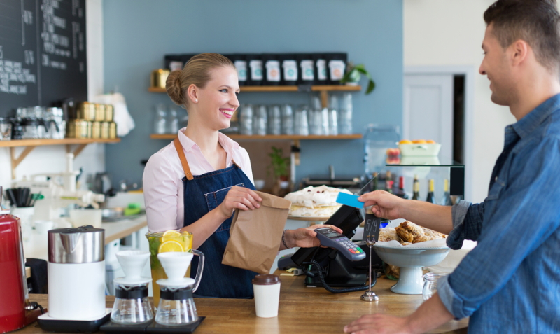 Im Persönlichkeitsprofil der Kauffrau im Einzelhandel dürfen Aufgeschlossenheit und Freundlichkeit nicht fehlen.