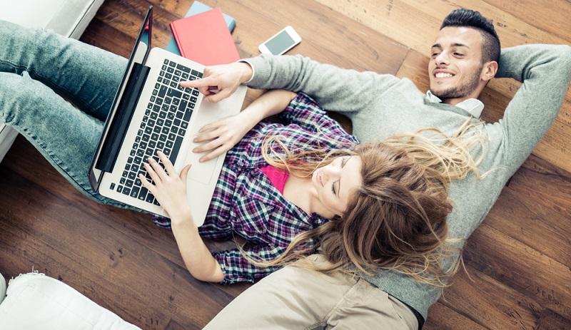 Erfahrungen zeigen, dass rund 44 Prozent der Grpnder, die einen Onlineshop eröffneten, gescheitert sind. (Foto-Shutterstock:  _oneinchpunch  )