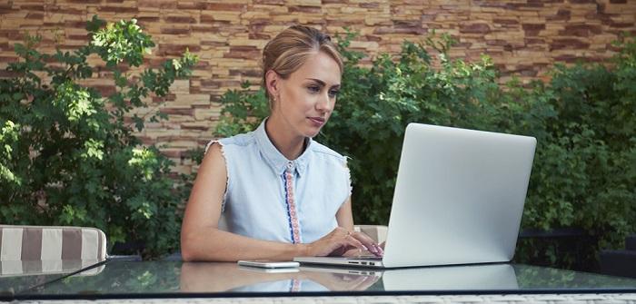 Onlineshop erstellen: Erfahrungen… Daran scheitern 44% der Online-Shops (Foto-Shutterstock: Alissa Kumarova )