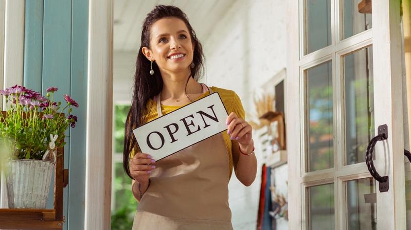 Statistiken zeigen, dass bereits seit 2010 die Tendenz für den Einkauf und die Umsätze im Einzelhandel steigend ist. ( Foto: Shutterstock- YAKOBCHUK VIACHESLAV  )