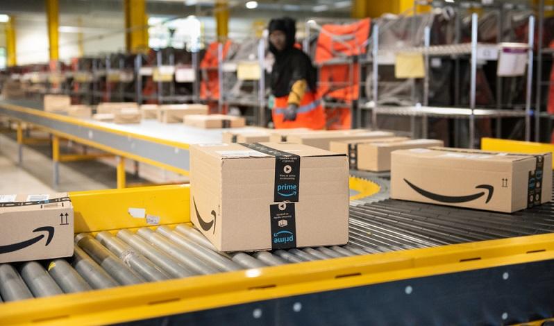 Eine Weiterbildung zum <strong>Fachkaufmann für Einkauf und Logistik</strong> bietet den Mitarbeitern im Einkaufs- und Logistikbereich die Chance auf einen beruflichen Aufstieg mit besseren Verdienstmöglichkeiten und interessanten Aufgaben  ( Foto: Shutterstock- Frederic Legrand - COMEO )