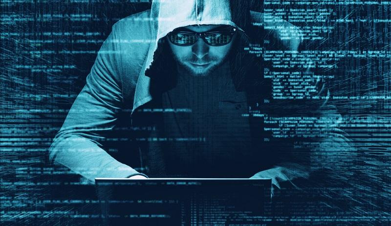 Neben den oben bereits genannten Problemen kann der Cyberangriff sogar die Insolvenz des bestohlenen Unternehmens nach sich ziehen.  ( Foto: Shutterstock-_Alexander Geiger )