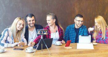 Social Media Plattformen: Diese 9 sind businesstauglich ( Foto: Shutterstock-_Dan Rentea )