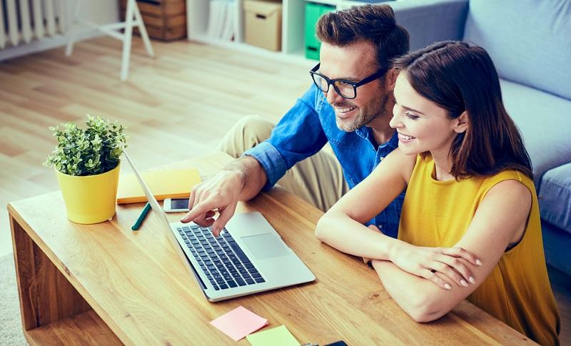 SEO ist gerade im Bereich der Online-Shops ein Projekt, das bei richtiger Anwendung schon nach einem halben Jahr sehr gute Erfolge zeitigen wird, das jedoch auf mindestens drei bis fünf Jahre ausgelegt sein sollte.( Foto: Shutterstock- _baranq )
