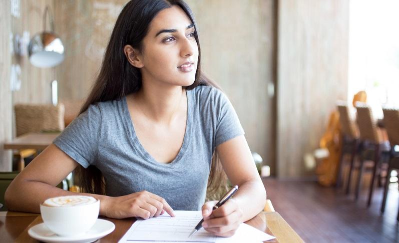 Bildungsgutscheine können schon Studenten beantragen allerdings gibt es unterschiedliche. (Foto: Shutterstock- Mangostar )