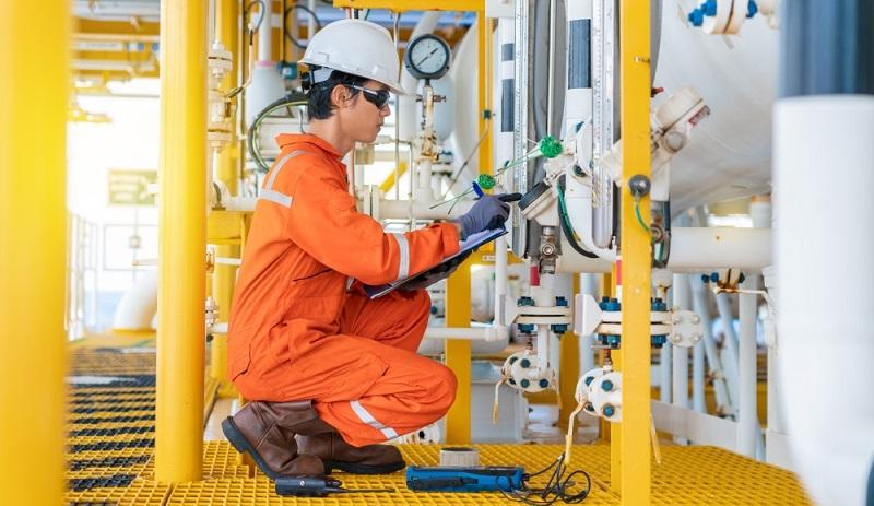 Um den hohen Qualitätsanforderungen sowie den strengen Produktionsrichtlinien gerecht zu werden, sind verlässliche Messergebnisse das A und O. (Foto: Shutterstock-Oil and Gas Photographer )