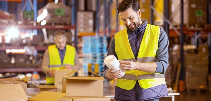 Integrierte Versandetiketten: Steigerung der Effizienz im Unternehmen garantiert ( Foto: Shutterstock-_Dmytro Zinkevych )